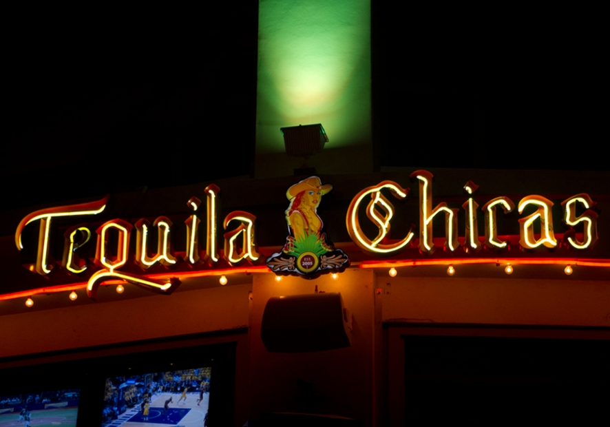 TEQUILA CHICAS